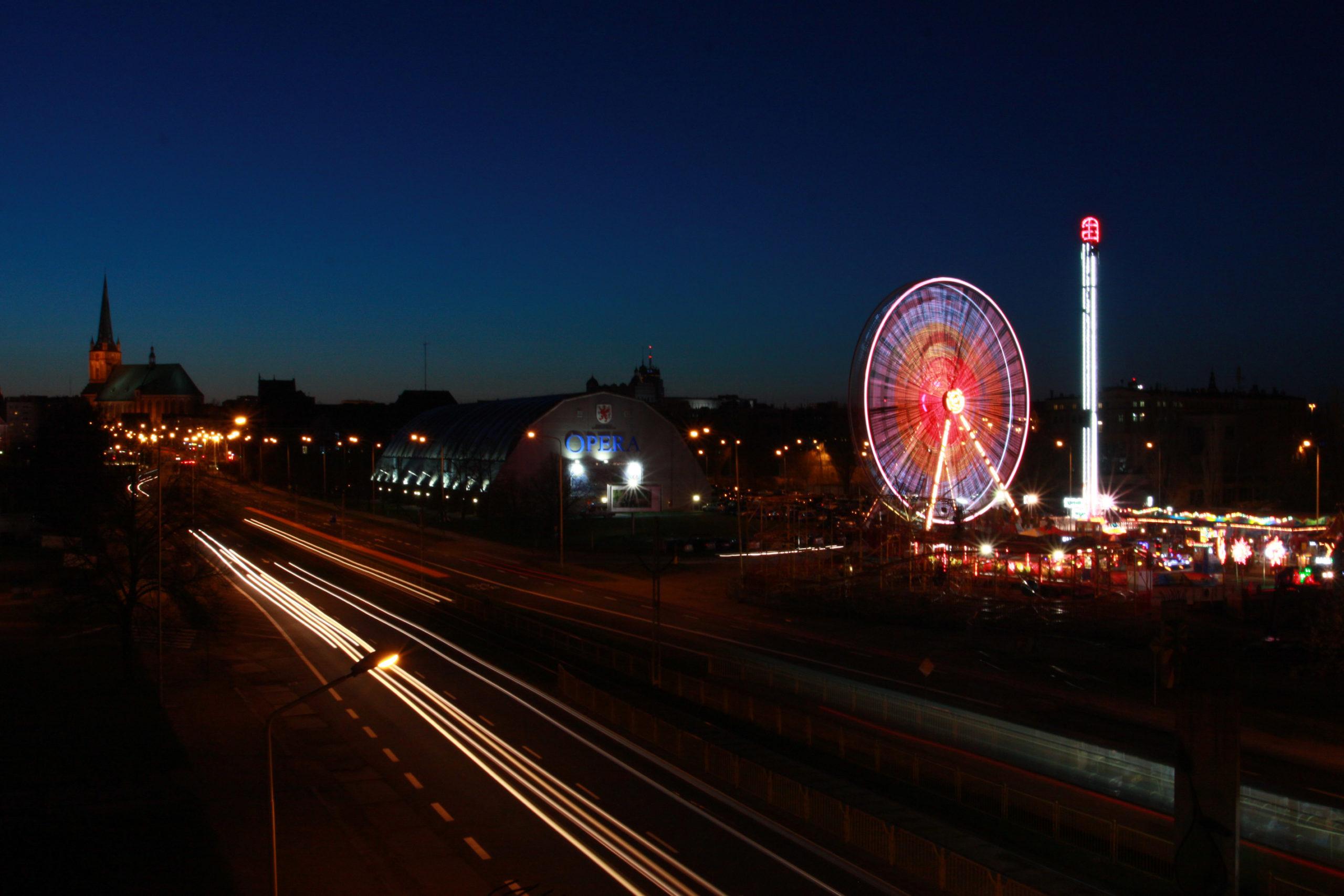 Park Rozrywki Robland nocą